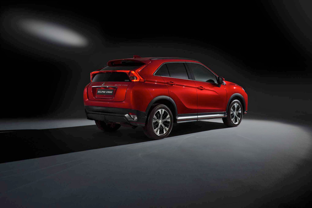 2018-Mitsubishi-Eclipse-Cross-rear-three-quarters