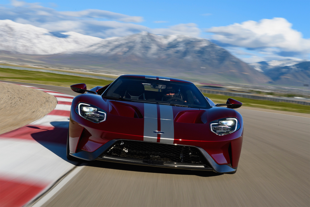 2017-Ford-GT-front-view-in-motion