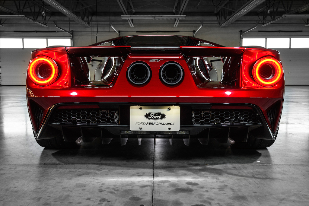 2017-Ford-GT-tail-lights