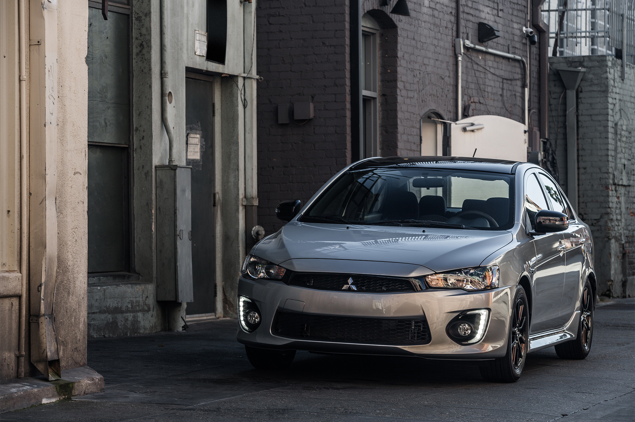 2017-Mitsubishi-Lancer-Limited-Edition-front-three-quarter-04