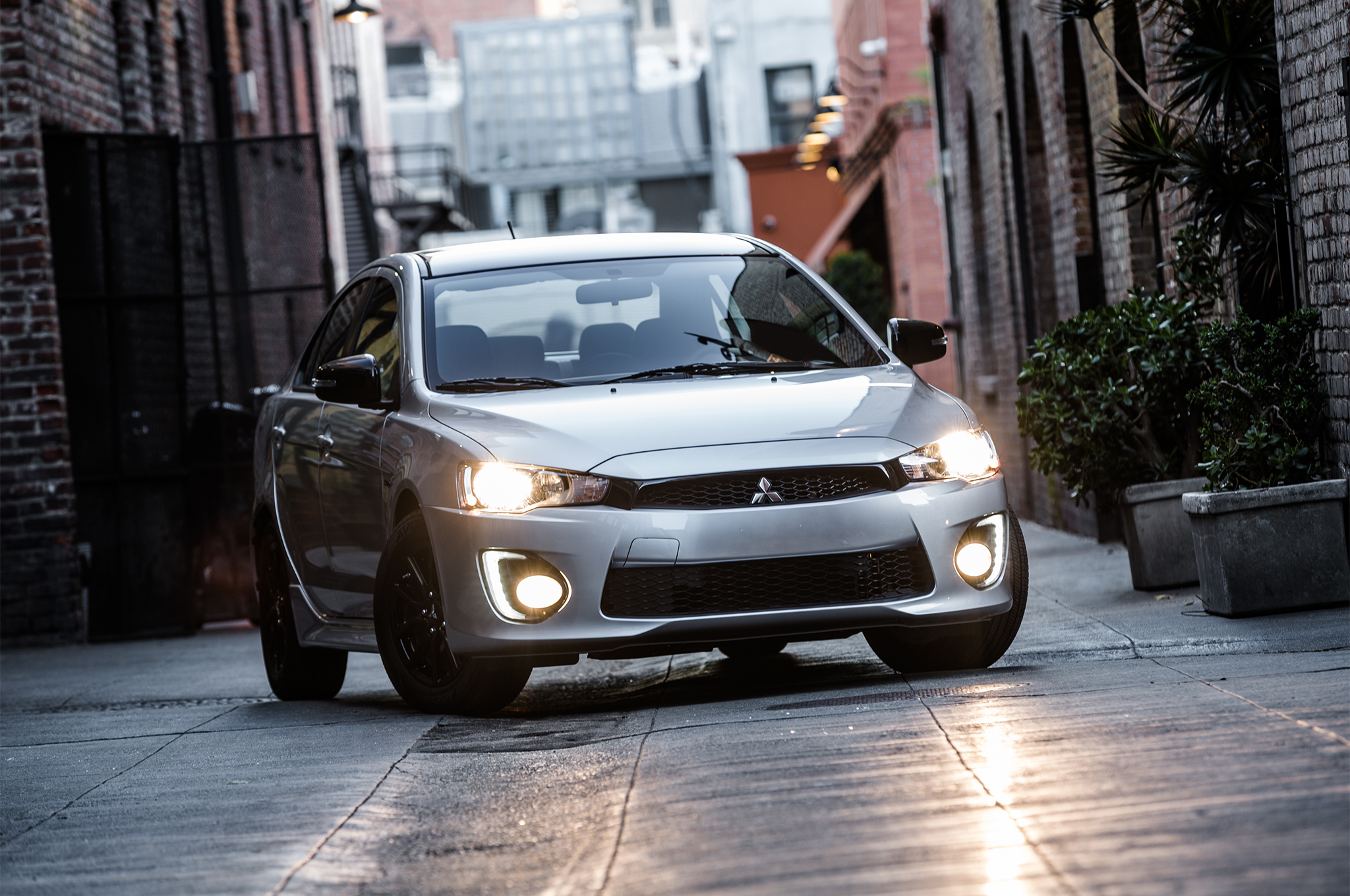 2017-Mitsubishi-Lancer-Limited-Edition-headlights