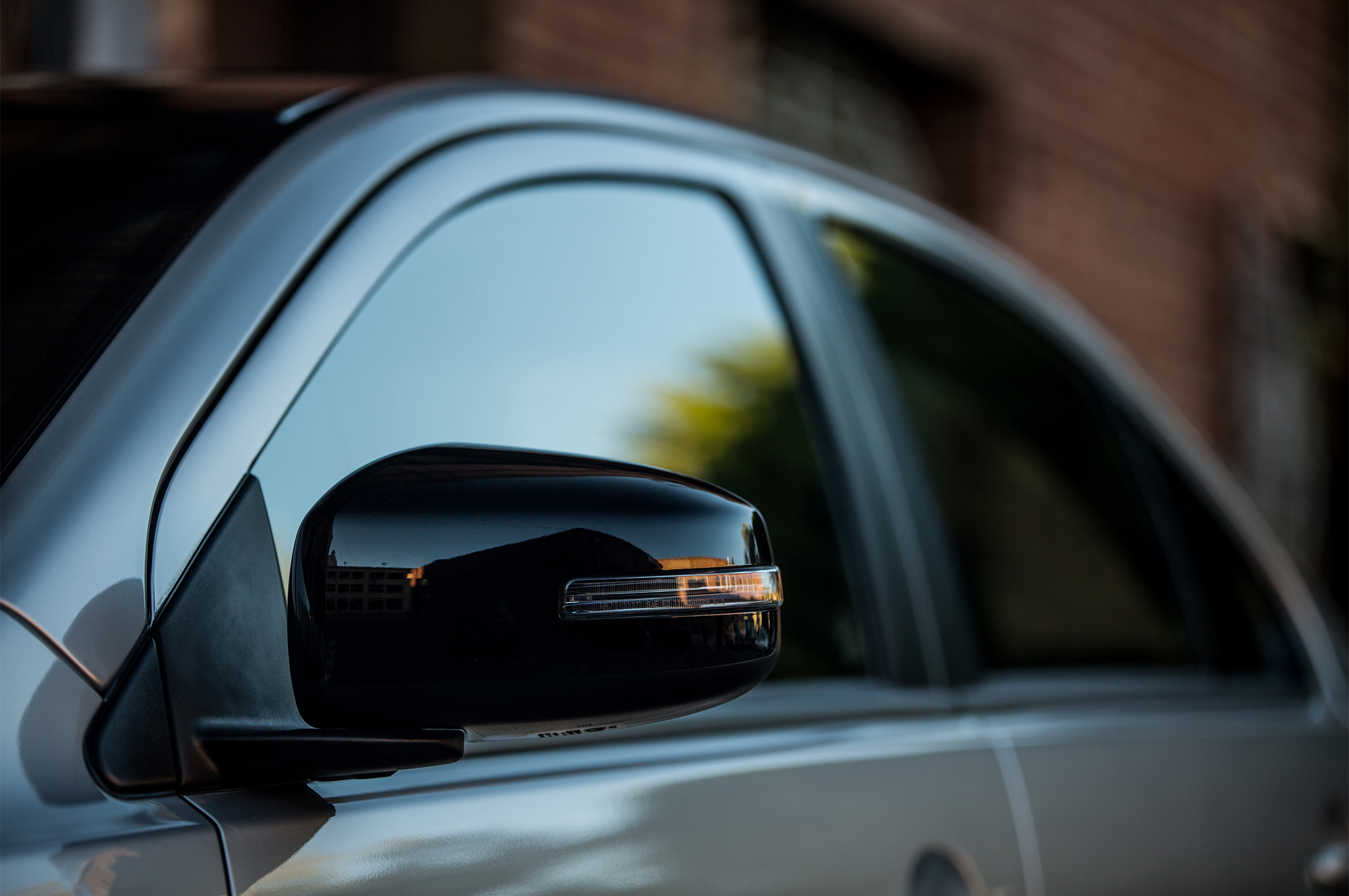 2017-Mitsubishi-Lancer-Limited-Edition-side-mirror