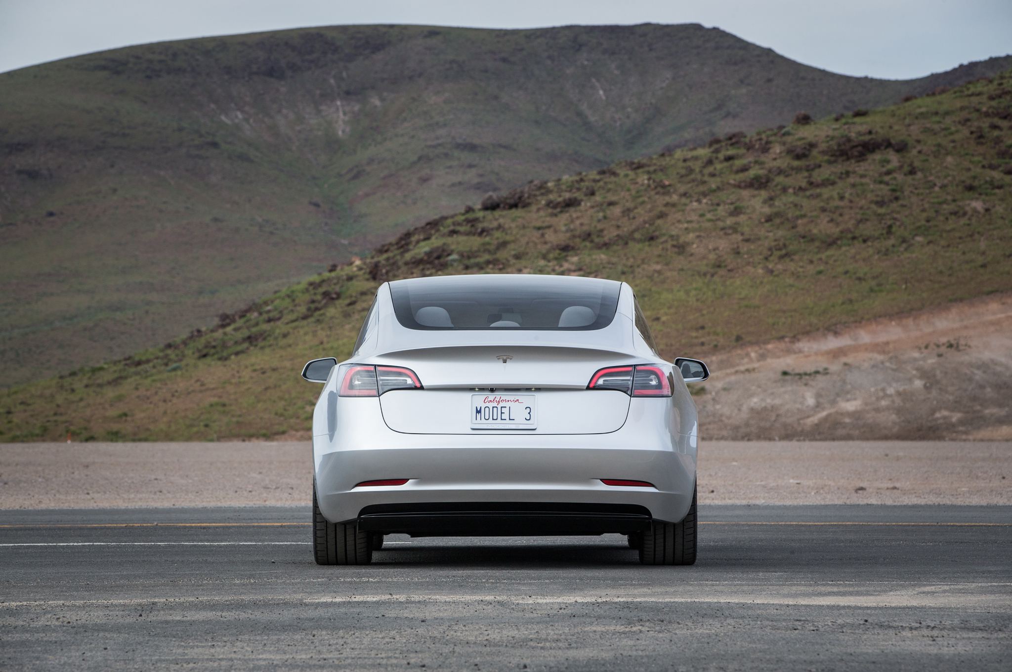 2017-Tesla-Model-3-rear-end