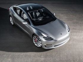 2017-Tesla-Model-3-top-view-e1462810146195