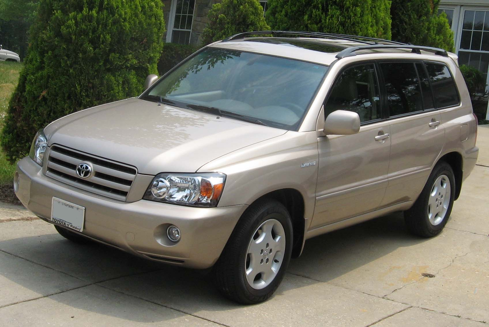 04-07_Toyota_Highlander_Limited